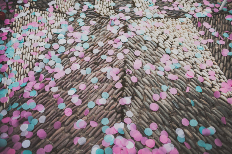 Бумажные или тканевые лепестки