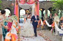 Организация свадеб: Осыпание лепестками