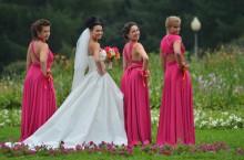 Организация свадеб: Подружки невесты в одиннаковых платьях