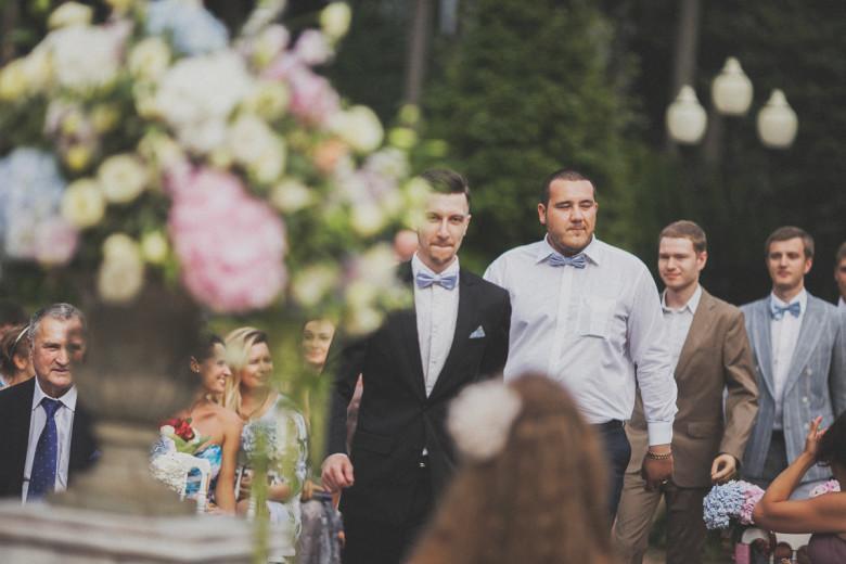 Организация свадьбы:  Друзья жениха в одинаковых бабочках