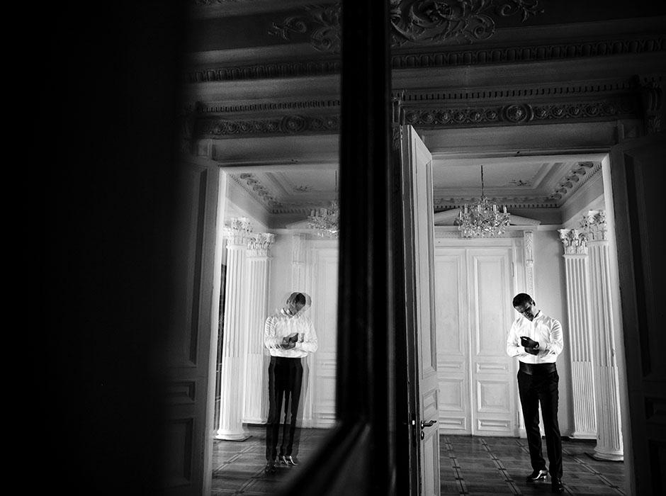 Сборы жениха во дворце